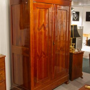 Biedermeier Kirschholz Dielenschrank um 1840