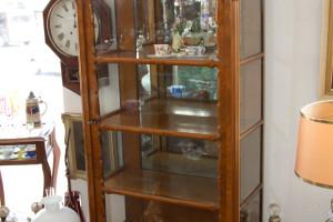 Schauvitrine 3 seitig verglast Spätbiedermeier süddeutsch Nußwurzelholz um 1850