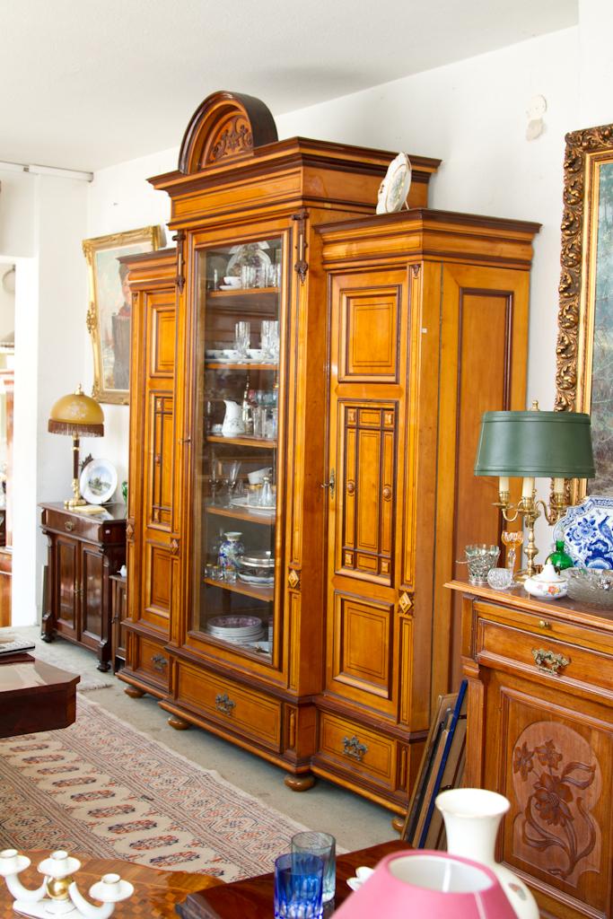 glasschrank vitrine historismus um 1880 obstholz. Black Bedroom Furniture Sets. Home Design Ideas