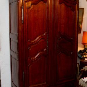 Dielenschrank Kirschholz altes Kastenschloß