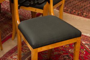 Satz von 4 Biedermeierstühlen Birke je Stuhl €290,00